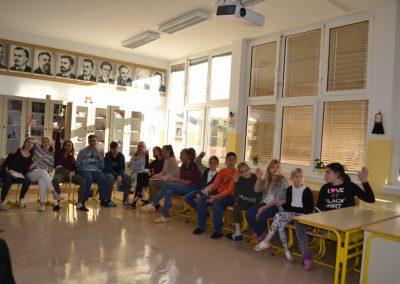 37_Obisk pisatelja Primoža Suhodolčana_r