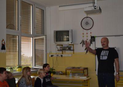 43_Obisk pisatelja Primoža Suhodolčana_r