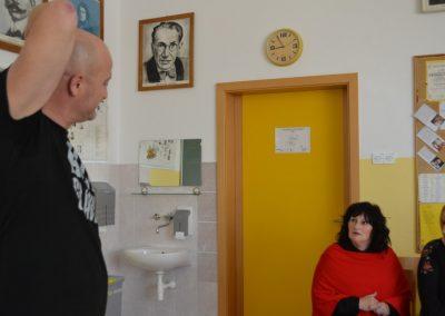 48_Obisk pisatelja Primoža Suhodolčana_r