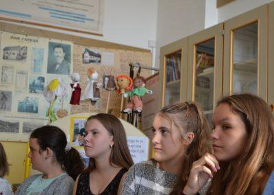 55_Obisk pisatelja Primoža Suhodolčana_r
