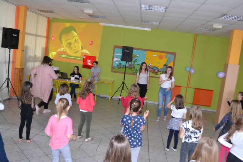 solski-ples-in-igre-2019__09_r