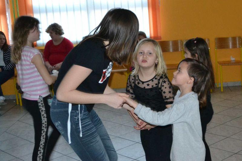 solski-ples-in-igre-2019__36_r