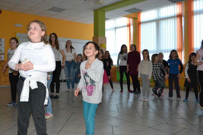 solski-ples-in-igre-2019__49_r